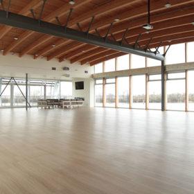 gallery-interior-empty-space